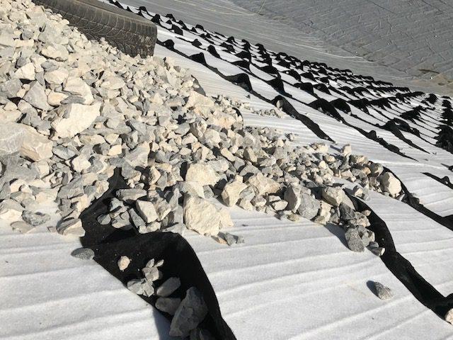 Technique de protection lourde de l'étanchéité du lac à la Foux d'Allos